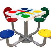 mesa de exterior con 4 juegos
