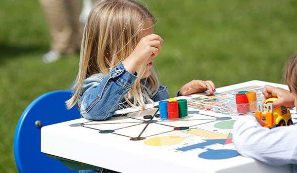 Beneficios de los juegos de mesa en la calle