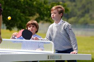 mesas de ping pong para colegios de exterior y antivandálicas