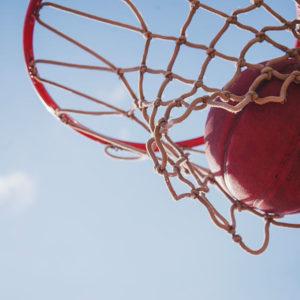Canasta de baloncesto antivandálica para plazas y parques