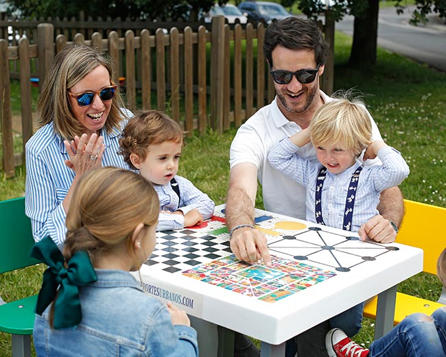 Mesas de ping pong y mesas de juegos para agroturismos