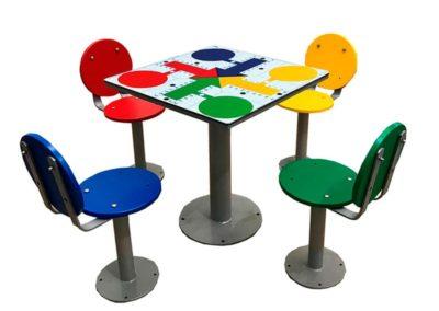 Mesas de exterior con juego parchís