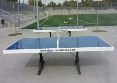 Mesa ping pong antivandálica Forte para espacios deportivos