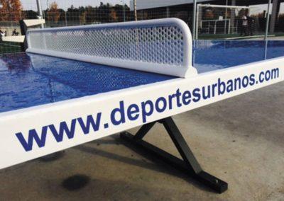 Detalle de la mesa ping pong antivandálica Forte
