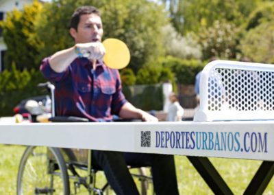 Mesa ping pong antivandálica inclusiva