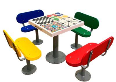 Juegos de mesa para personas mayores en residencias