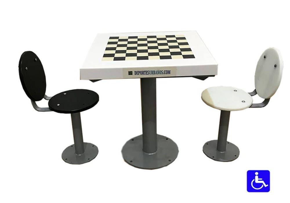 Mesa de ajedrez exterior adaptada