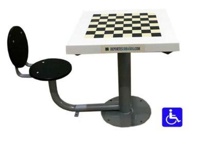Mesa de ajedrez exterior adaptada con 1 asiento