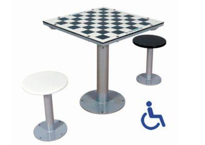 Mesa de ajedrez exterior adaptada con 2 asientos independientes