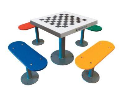 Mesa de ajedrez de exterior antivandálica con 4 bancos independientes