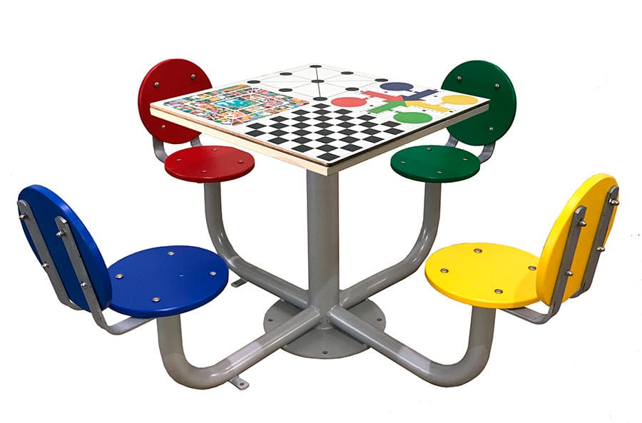 Mesa de juegos para exterior con 4 asientos con respaldo