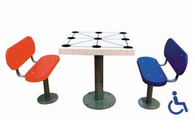 Mesa tres en raya adaptada