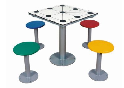 Mesa exterior con juego tres en raya