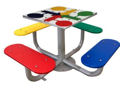 Mesa de parchís para patios de colegio