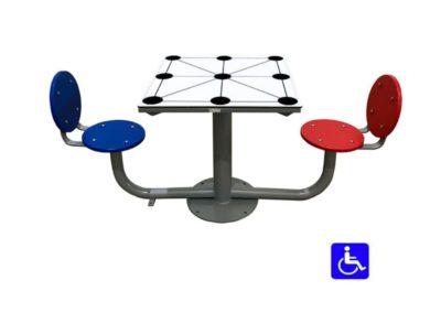 Mesa tres en raya exterior adaptada