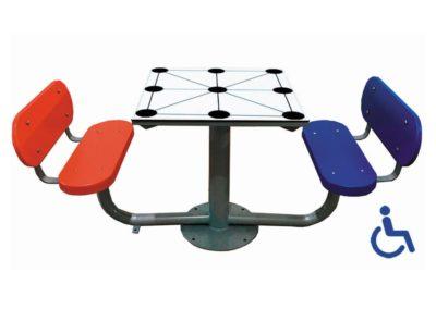 Mesa exterior Tres en Raya adaptada