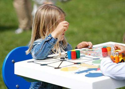 Juegos de mesa en espacios urbanos