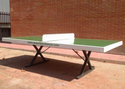 Mesa de ping pong en comunidad de vecinos