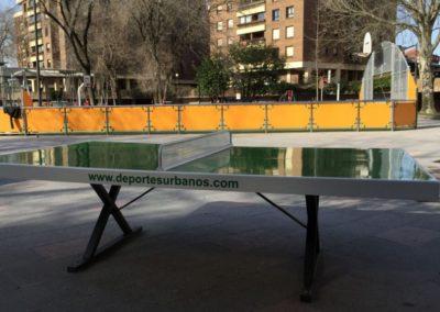 Mesas de ping pong antivandálica en plaza municipal