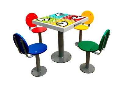 Table de jeu des petits chevaux d'extérieur avec 4 sièges et dossier