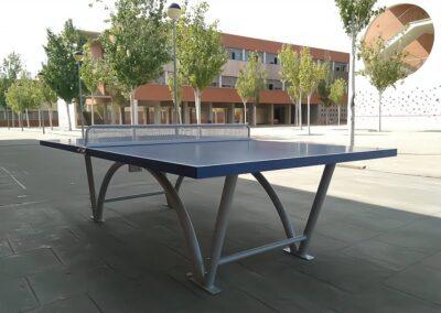 Mesa ping pong Sport en zona deportiva de universidad