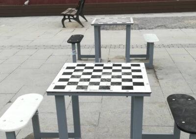 Mesa ajedrez en urbanización