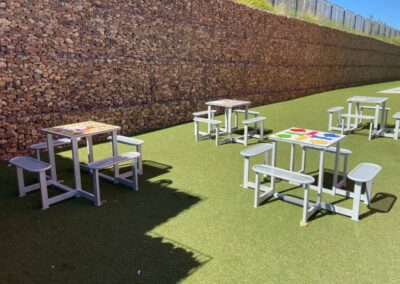 Juegos de mesa educativos instaladas en un colegio