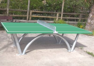 Mesa ping pong Sport Pro instalada en parque público